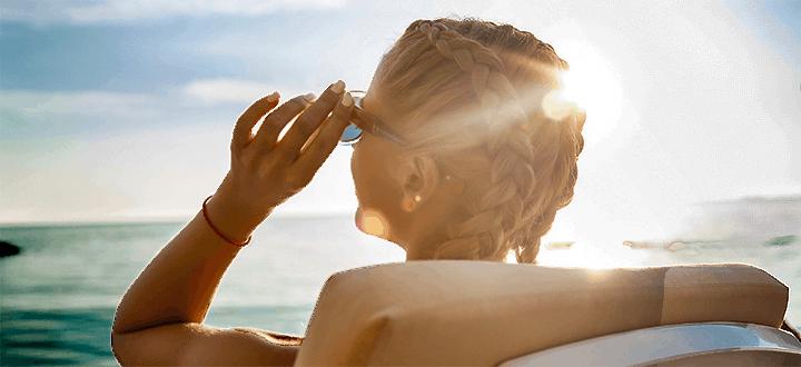 Egy csepp szemcsepp   – avagy miért jó, ha nyáron mindig van nálad egy kis szemhidratáló?