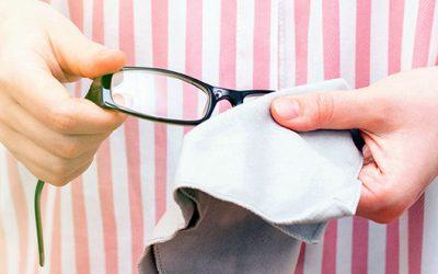 Kisokos kétbalkezes szemüvegeseknek –  Hogy ne tedd tönkre új szemüvegedet két hét alatt?